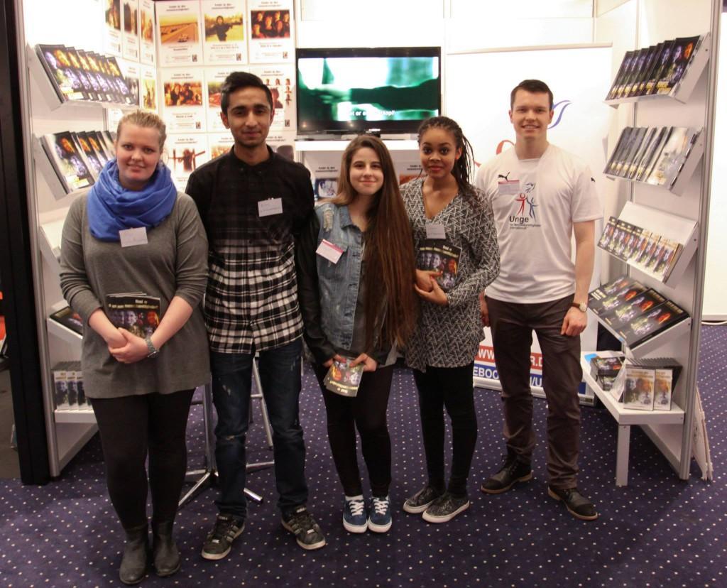 Skolebogsmesse unge for menneskerettigheder materiale uddannelse